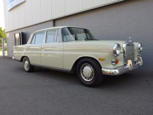 Mercedes 230 1968 W110 (Very Original Condition & Barn Find)