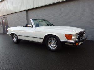 Mercedes 500 SL 1983 (EU Specs & in Classic White)