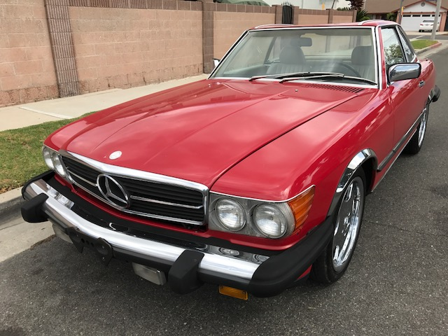Mercedes 560 SL 1986 (Popular Color Combination & Perfect Runner)