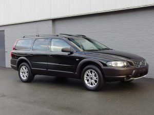 Volvo XC70 2003 (Black on Black & Desired Youngtimer)