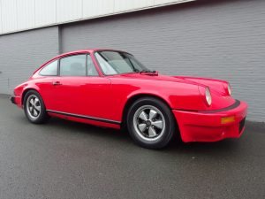 Porsche 911 S Coupe 1976 (Straight Car & Strong Runner)