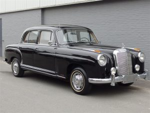 Mercedes-Benz 220a Ponton 1955 (Solid Body & Smooth Runner)