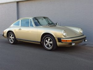Porsche 911s Coupe 1977 (Solid Body & Strong Engine)