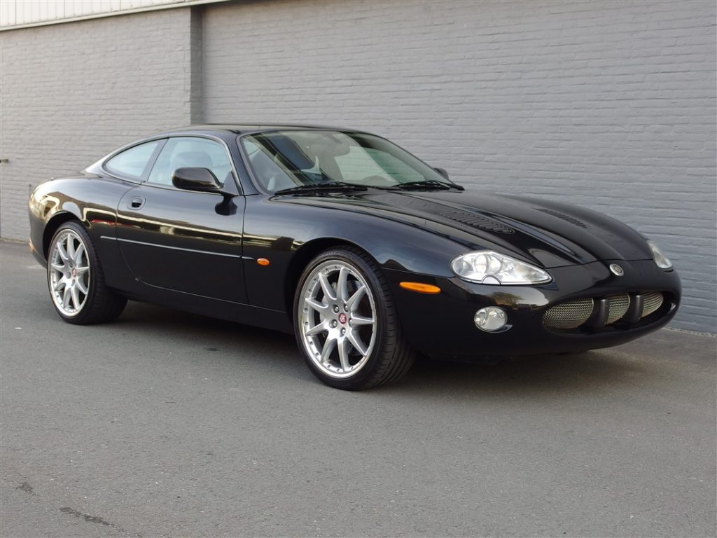 Jaguar XKR Coupe 2002 (Elegant Sports Car & Very Presentable)