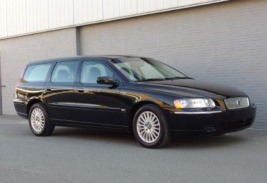 Volvo V70 2.4L 2004 (One Owner & Japan Import)