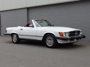 Mercedes 560 SL 1988 (Well Maintained & Rear Seats)