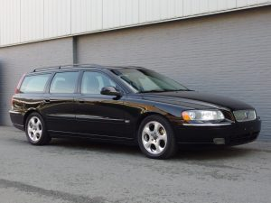 Volvo V70 2005 (Presentable Car & Sunroof)
