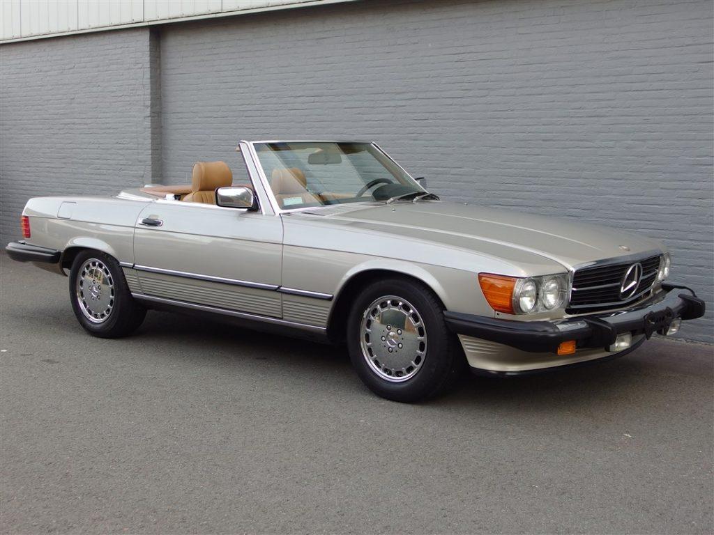 Mercedes 560 SL 1986 (Beloved Color Combination & Strong Runner)