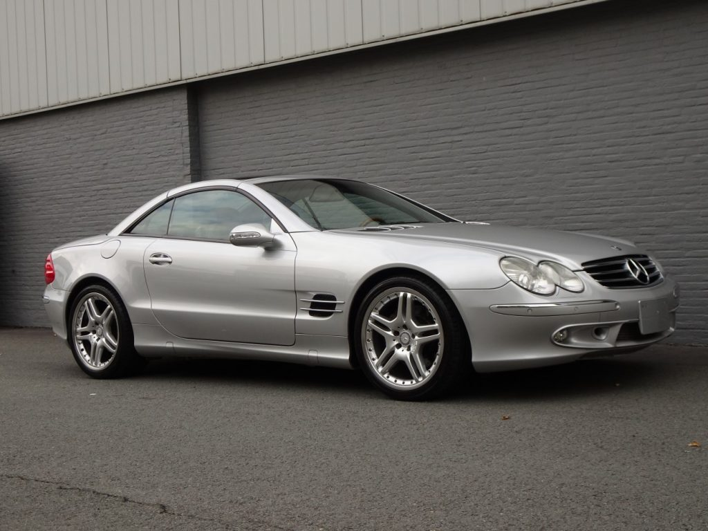 Mercedes SL 500 2002 (Very Nice Car & Panoramic Roof)