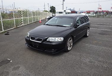 Volvo V70 R 2005 (Powerful Car & Swedish Legend)