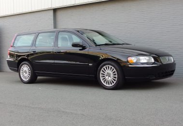 Volvo V70 2005 2.4L (Very Presentable & Low Kilometers)