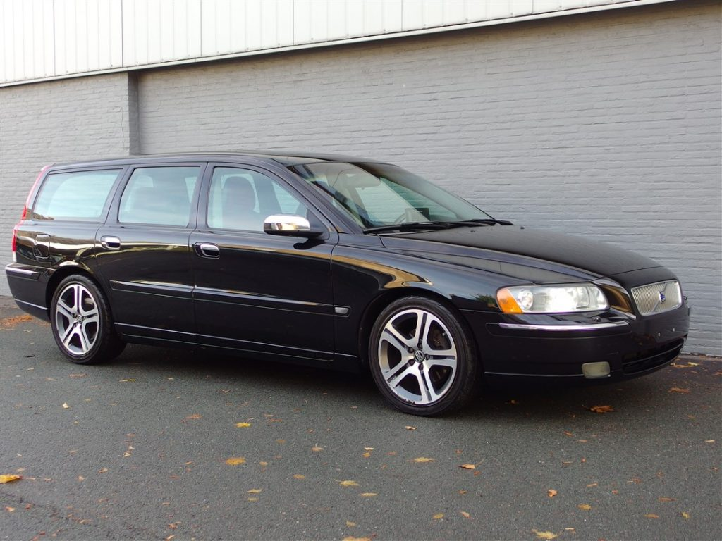 Volvo V70 Dynamic 2005 (Unique Edition & Great Driver)