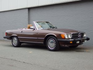 Mercedes 560 SL 1986 (Unique Color Combination & Strong Runner)