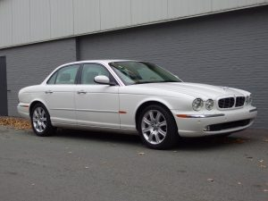 Jaguar XJ8 3.5L V8 2005 (Very Presentable Car & Perfect Driver)