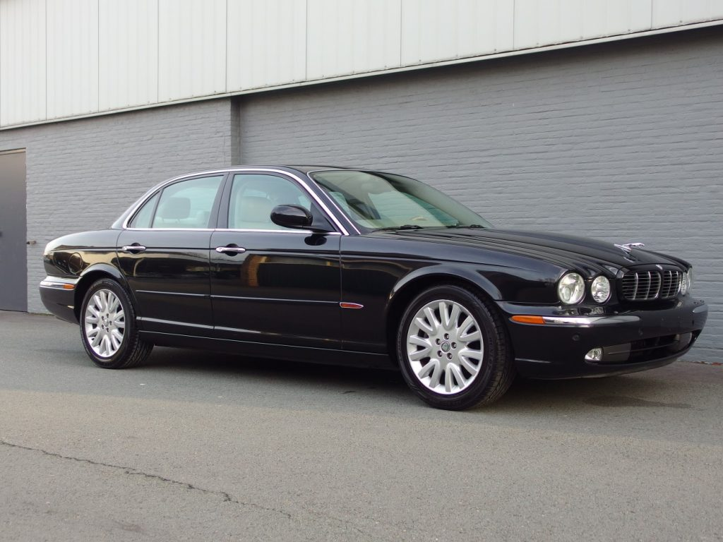 Jaguar XJ8 2003 (Classy & Elegant Youngtimer)