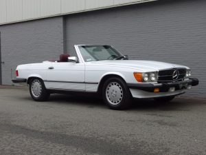 Mercedes 560 SL 1988 (Unique Color Combination & Rear Seats)