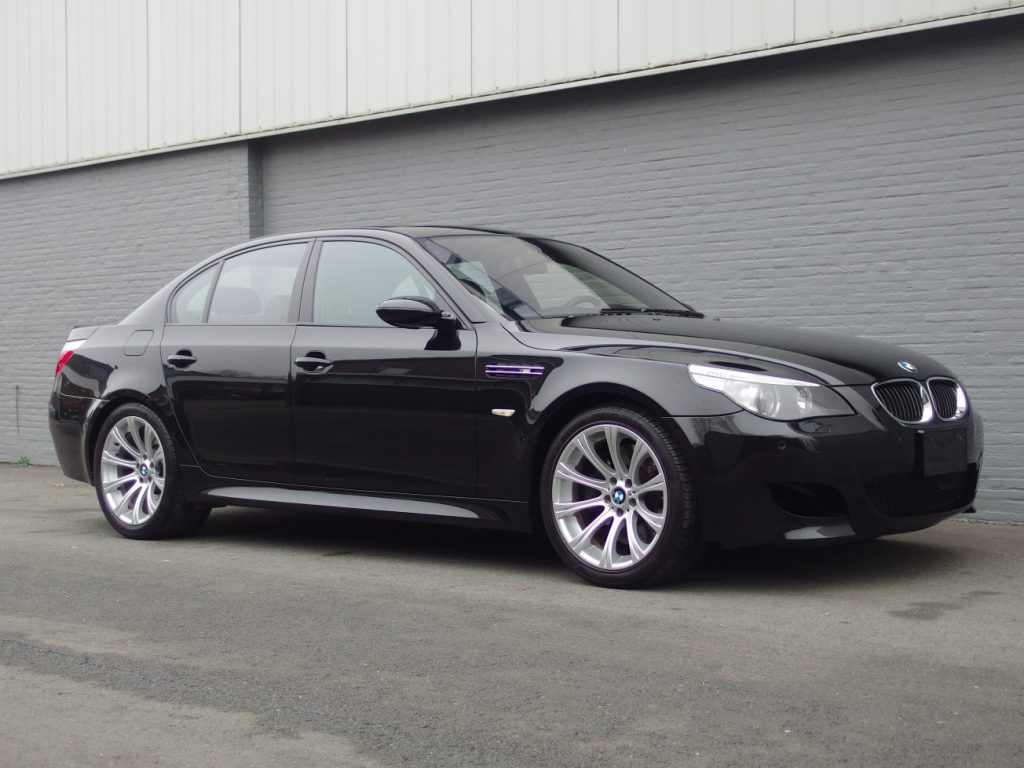BMW M5 2005 (Extremely Fast & Rare Car)
