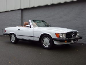 Mercedes 560 SL 1986 (Nice Beach Cruiser in Arctic White)