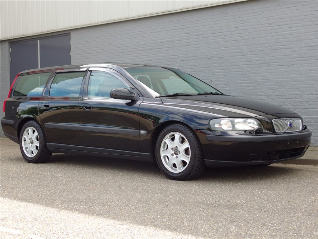 Volvo V70 2 4L 2002 (Great Driver & Full Options) - Vemu Car