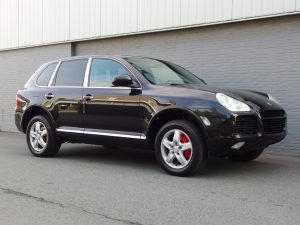 Porsche Cayenne Turbo 2005 (Fast Car & Sunroof)