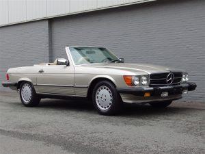 Mercedes 560 SL 1987 (Very Original Condition & Popular Color Combination)