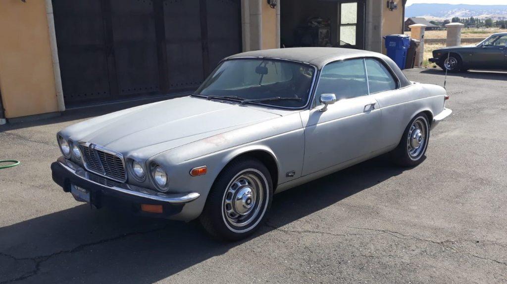 Jaguar XJ6 Coupe 1977 (Original Running Project & Rust free)