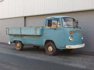 Volkswagen T2 Pick up 1975 (Original Barn Find & Running Engine)