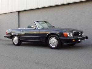 Mercedes 560 SL 1989 (Beloved Color Combination & Original Condition)