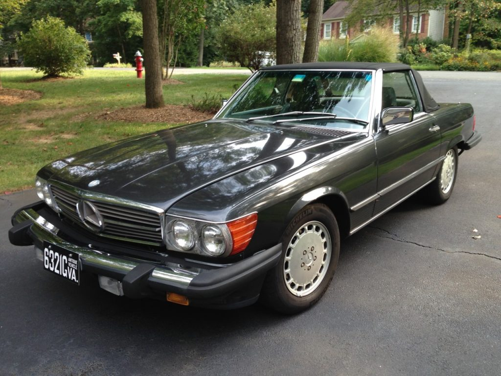 Mercedes 560 SL 1989 (Beloved Color Combination & Original Condition)