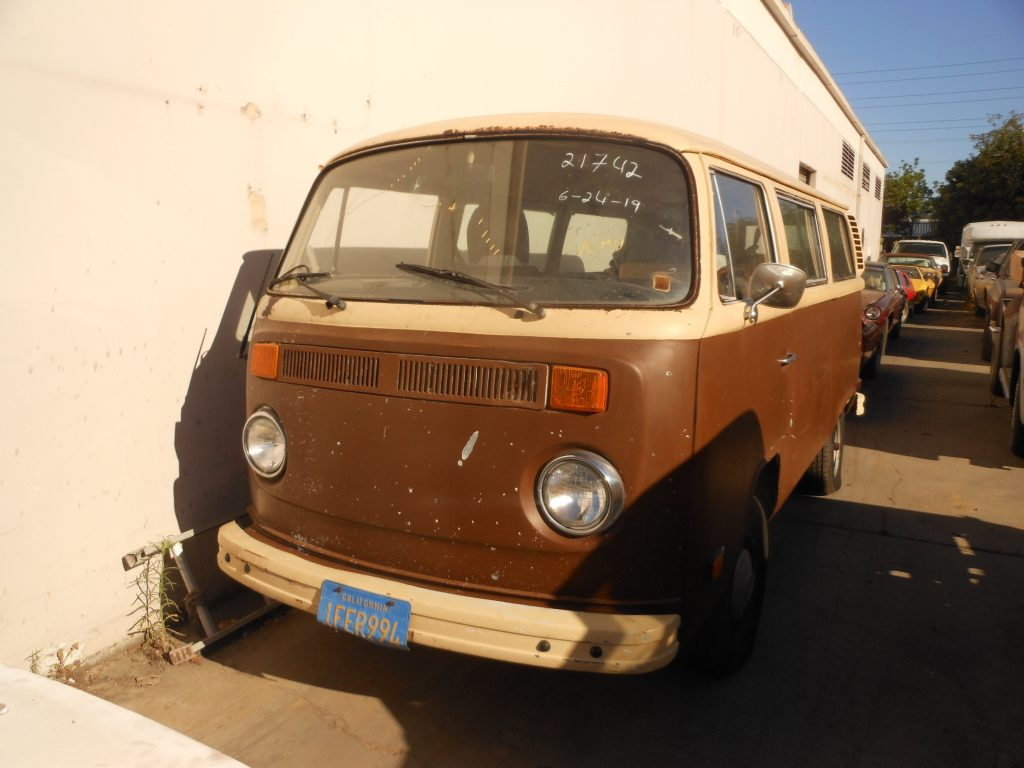 Volkswagen T2 1978 (7 Persons Van & Very Original Car)