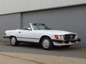 Mercedes 560 SL 1986 (Rust Free Arizona Import & Rear Seats)