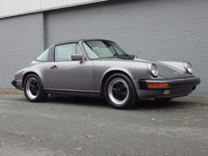 Porsche 911 Carrera Targa 1986 (Solid Car & Strong Driver)