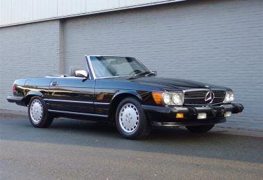 Mercedes 560 SL 1988 (Very Original Condition & Presentable Car)