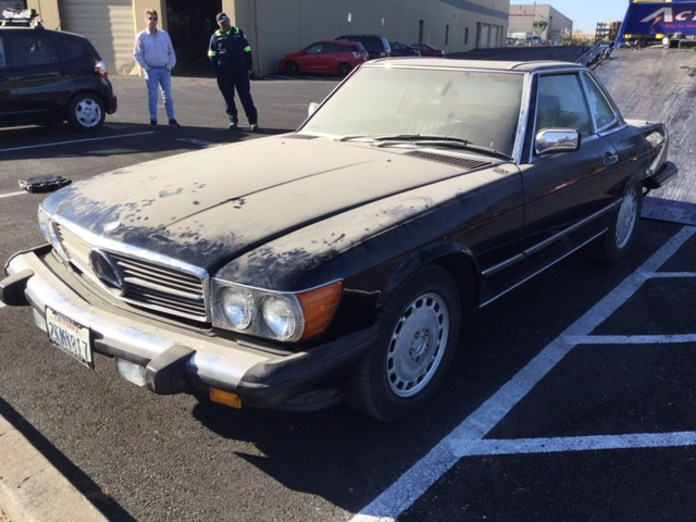 Mercedes 560 SL 1989 (Very Original Condition & Beloved Color Combination)
