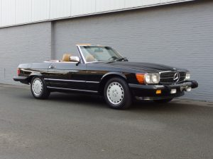 Mercedes 560 SL 1988 (Beloved Color Combination & Very Good Condition)