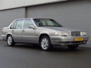 Volvo 960 Sedan 1994 (3.0L 6 Cylinder & Rear Wheel Drive)