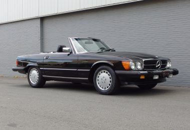 Mercedes 560 SL 1986 (Beloved Color Combination & Perfect Driver)