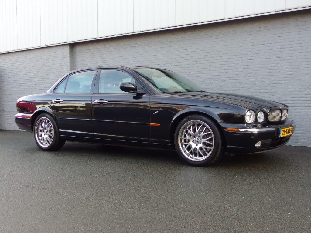 Jaguar XJR 4.2L 2003 (Presentable Car & Full Option)