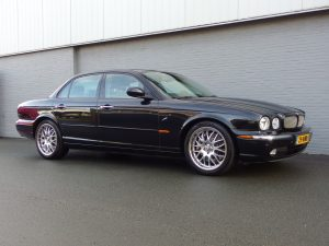 Jaguar XJR 4.2L 2003 (Presentable Car & Full Option)