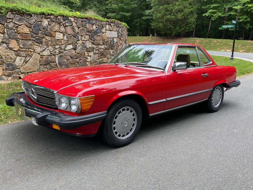 Mercedes 560SL 1987 (Fantastic Shape & All Booklets Included)