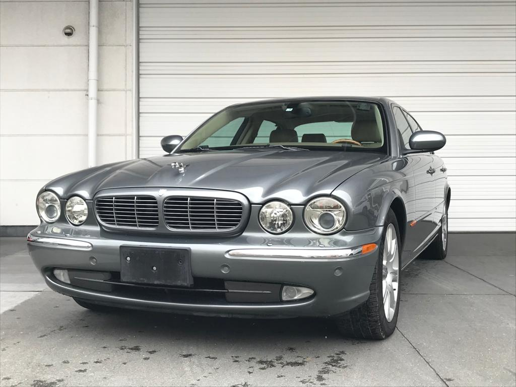 Jaguar XJ8 Long 4.2L 2005 (Elegant Driver & Very Presentable)
