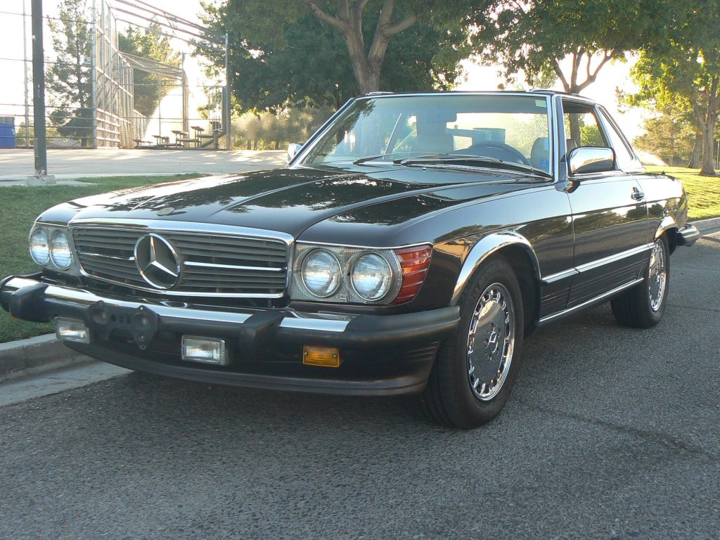 Mercedes 560 SL 1987 (Unique Color Combination & Perfect Cruiser)