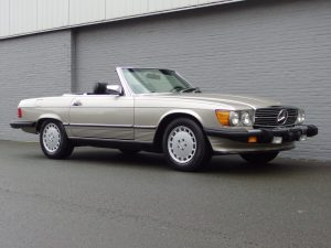 Mercedes 560 SL 1988 (Beloved Color Combination & Excellent Runner)
