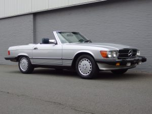 Mercedes 560 SL 1986 (Great Driver & Rear Seats)