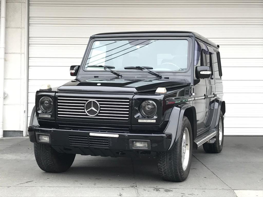 Mercedes G55 AMG 2000 (Black on Black & Extra Rear Seats)
