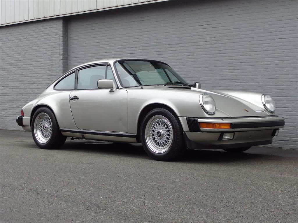 Porsche 911 SC Coupe 1982 (Perfect Driver & Great Documentation)