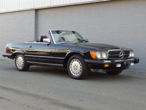 Mercedes 560 SL 1987 (Beloved Color Combination & Perfect Driver)