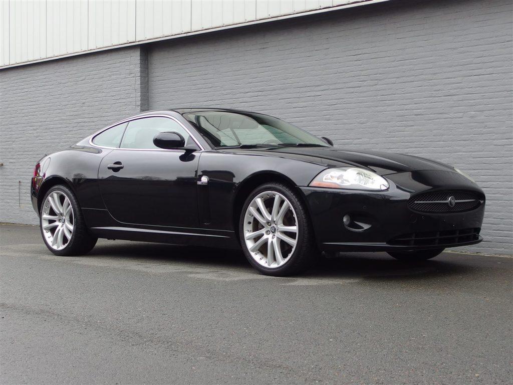 Jaguar XK 4.2L V8 2006 (Sportive Coupe & Very Presentable)
