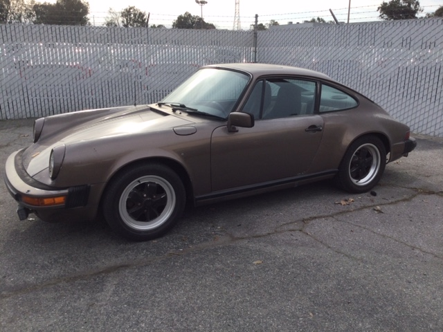 Porsche 911 SC Coupe 1983 (Rust Free California Import & Great Driver)