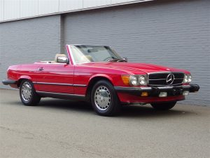Mercedes 560 SL 1988 (Gorgeous Condition & Beloved Color Combination)